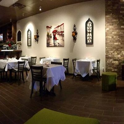 Katy, TX Restaurant for sale: Beautiful Restaurant brand new rebuild and very nice decoration with excellent taste and style. Wines are the mayor focus on the place.