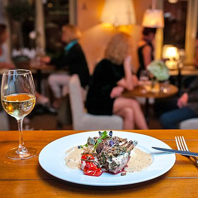 Vilnius, lithuania Restaurant for sale: Cozy family restaurant professionally designed in the Provençal style for the attractive price in the main street of the city.