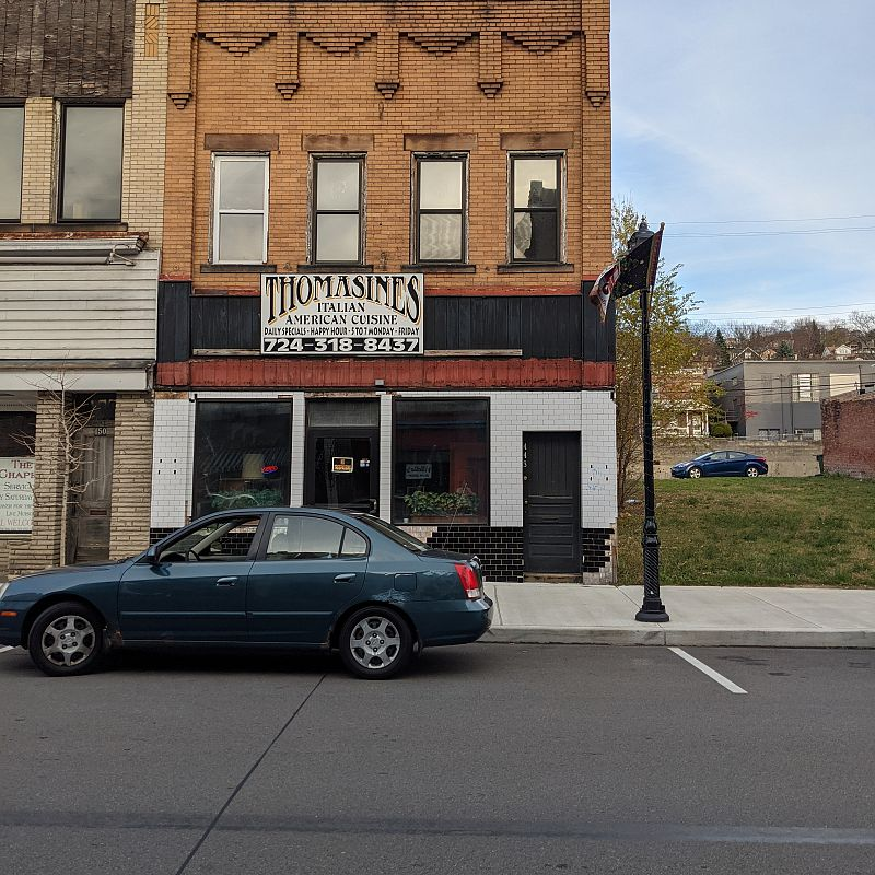 Ambridge, PA Restaurant for sale: amazing restaurant/ bar real estate with 6 rooms on second floor could be converted to two (2 bed apartments)